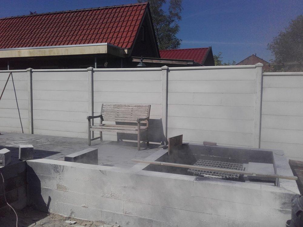 Beton / hout schutting Bessembinders